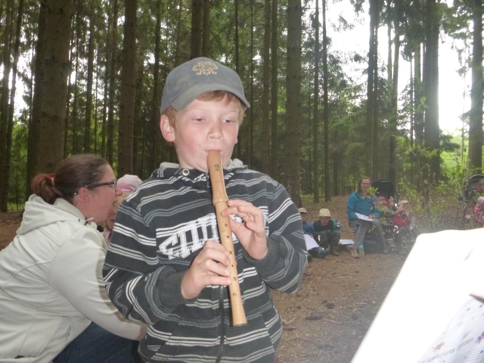 Ein kleines Flötenstück im Wald.